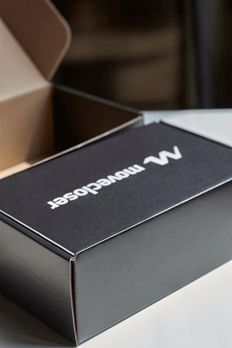 černé krabice